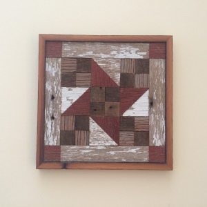 Barnwood Squared wooden quilt